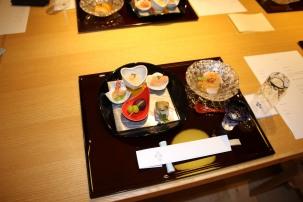 Kleine Köstlichkeiten, im Ryokan serviert