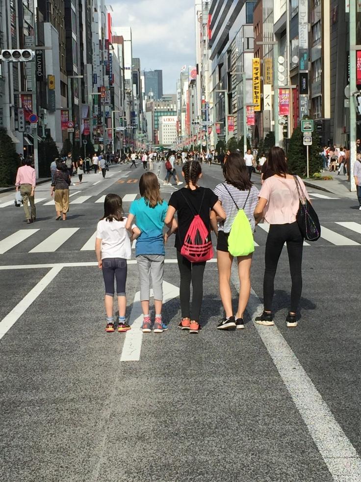 Spaziergang auf der Ginza - am Sonntag autofrei!