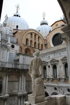Venedig Dogenpalast Innenhof Treppe