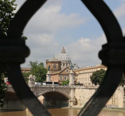 Rom Blick auf Petersdom von Ponte San Angelo