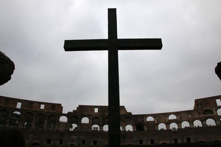 Rom Kolosseum Kreuz