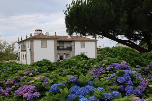Portugal Quinta do Monteverde Haupthaus mit Hortensien