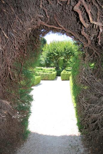 Portugal Mateuspalast Blick aus Zederntunnel