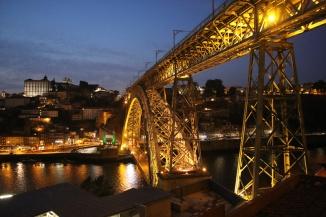 Portugal Porto Blick vom OhPorto auf Ponte Luiz bei Nacht
