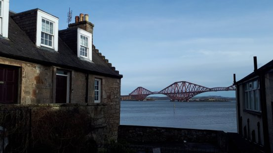 Forth Bridge vor South Queensferry