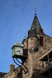 Uhr am Canongate Tolbooth