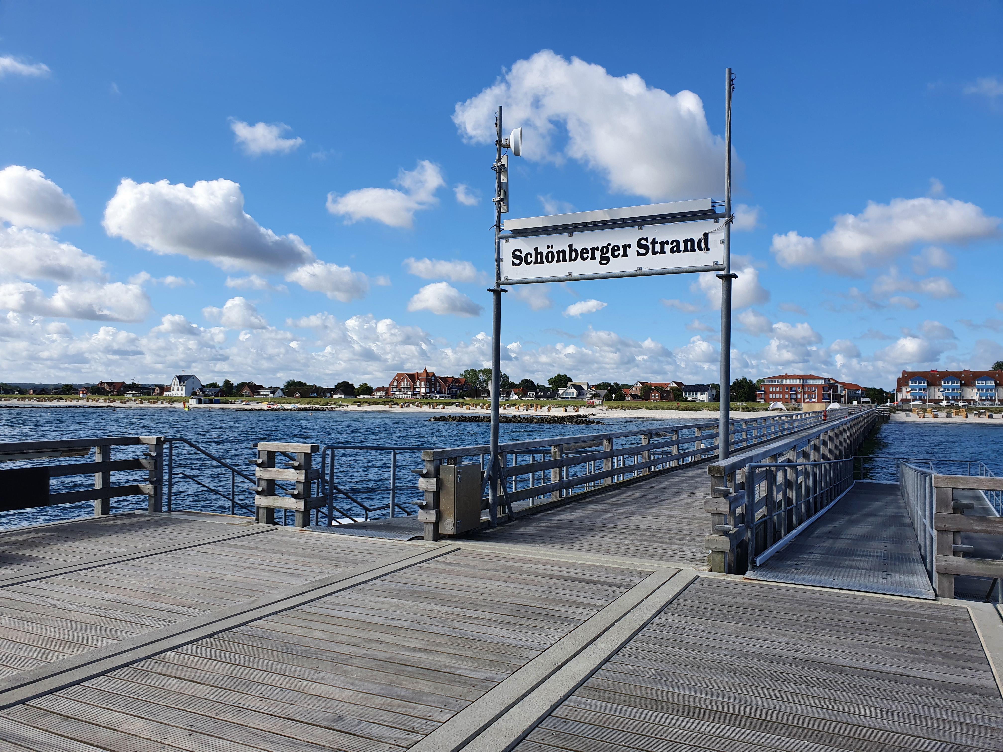 Schönberg Strand mit Seebrücke