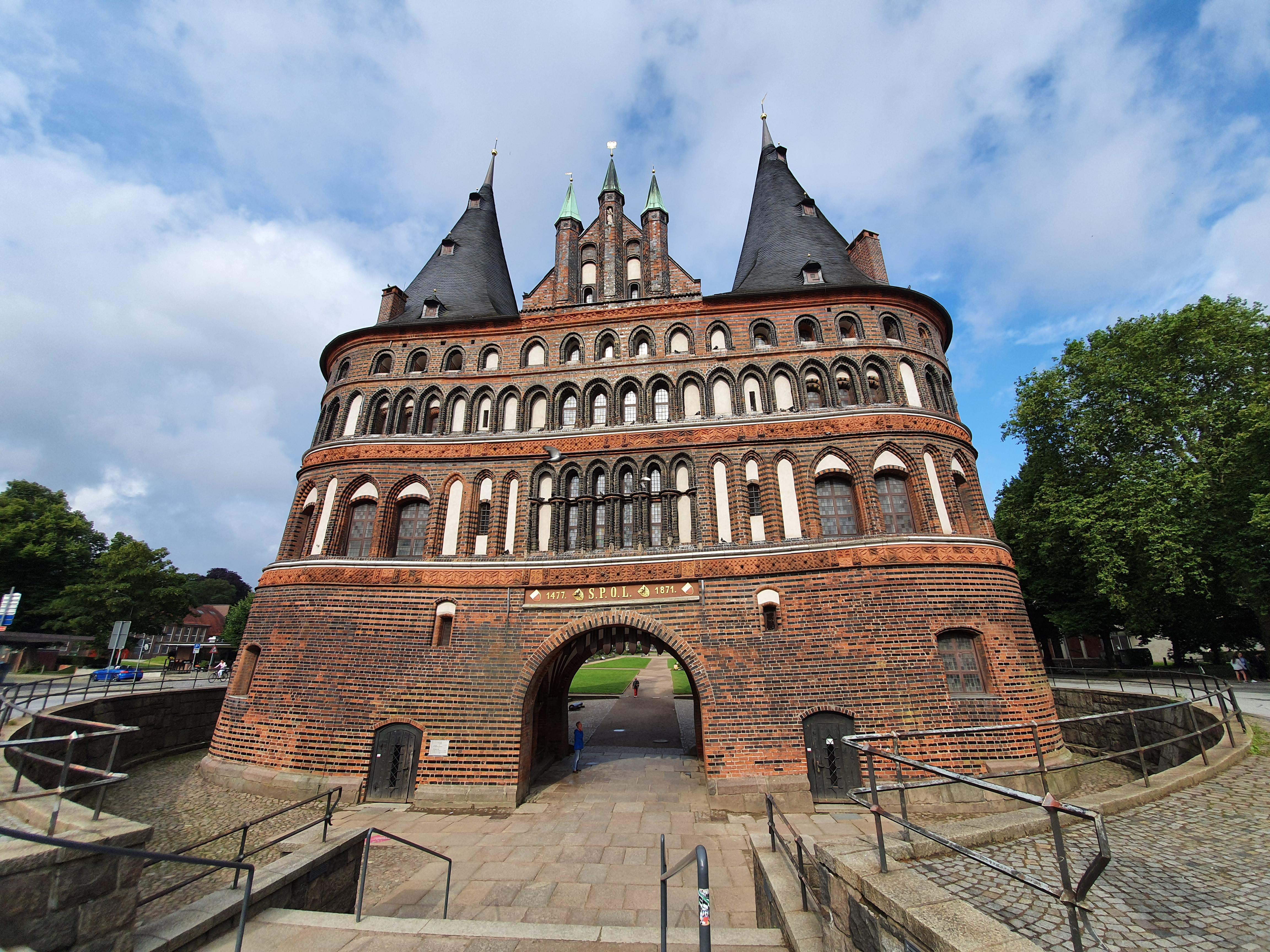 Holstentor - von Altstadtseite aus