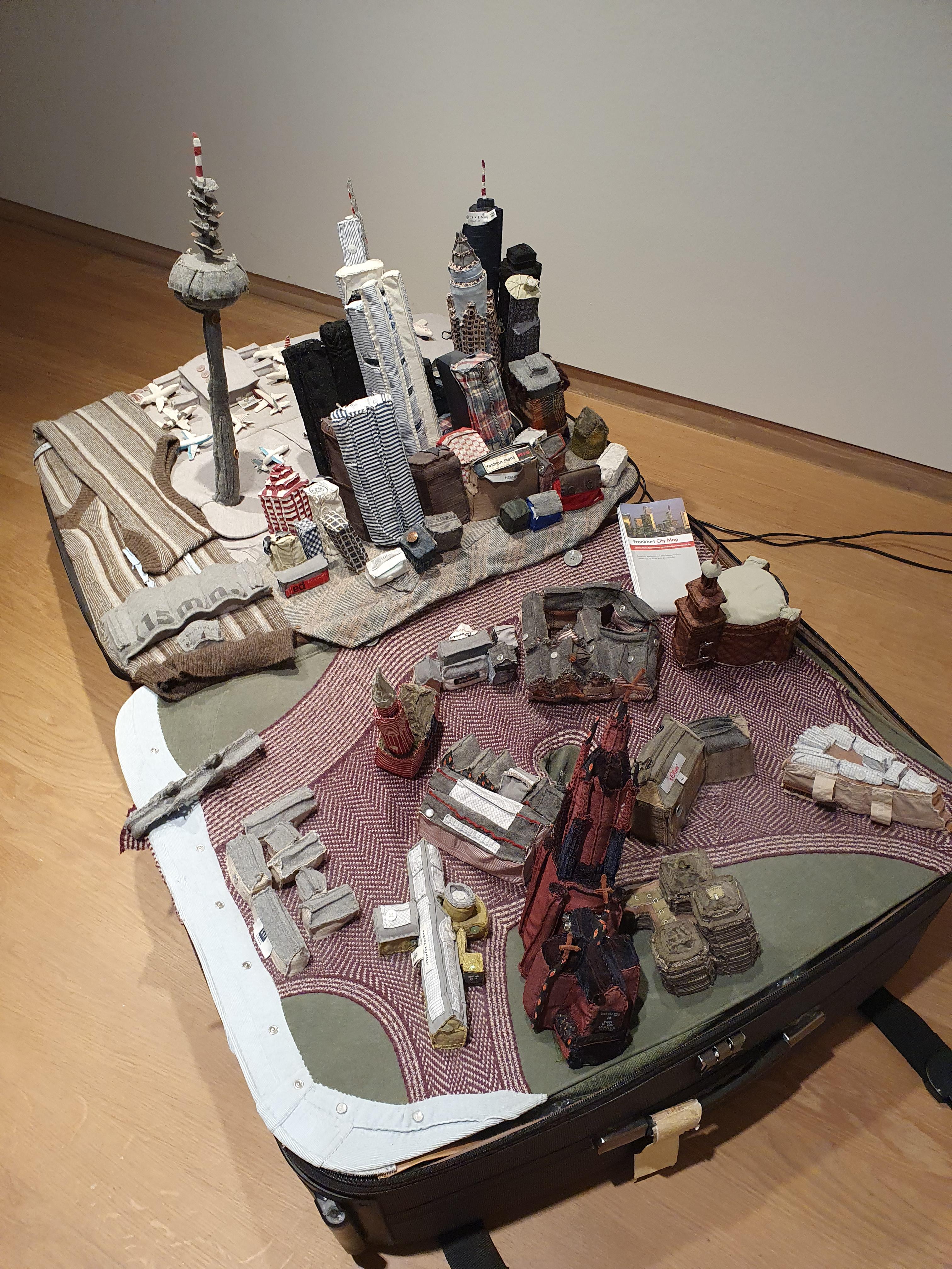 Yin Xiuzhen: Portable City Frankfurt