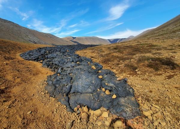 Island Fagradalsfjall frischer Lavastrom im Natthangi Tal