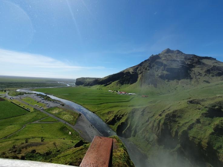 Island Skogafoss Blick von Plattform ins Tal