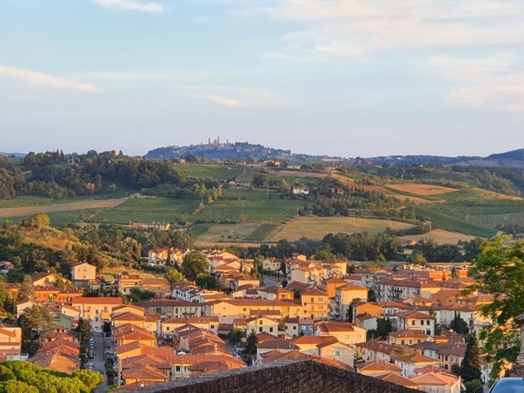 Certaldo Alto Blick auf San Gimignano