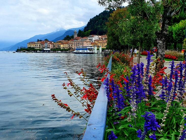 Blick auf Bellagio von Uferpromenade