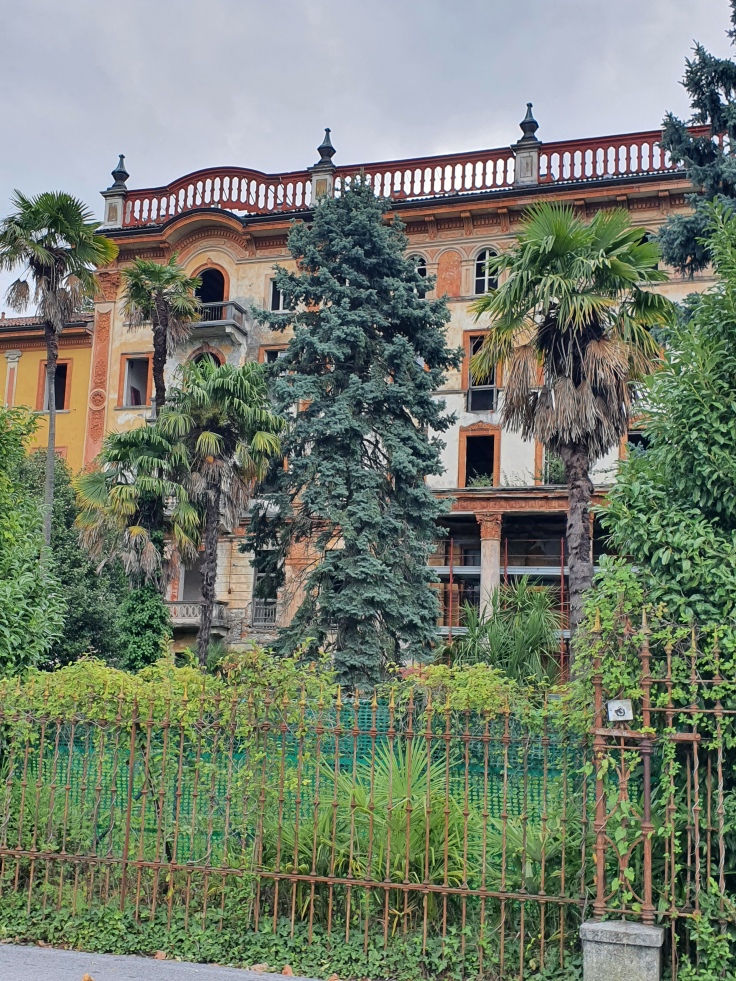 Bellagio - Ruine des Grand Hotels Bretagne / Britannia